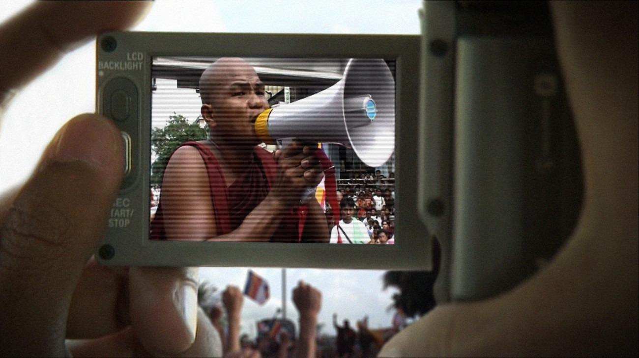 Burma VJ: Reporter i et lukket land backdrop