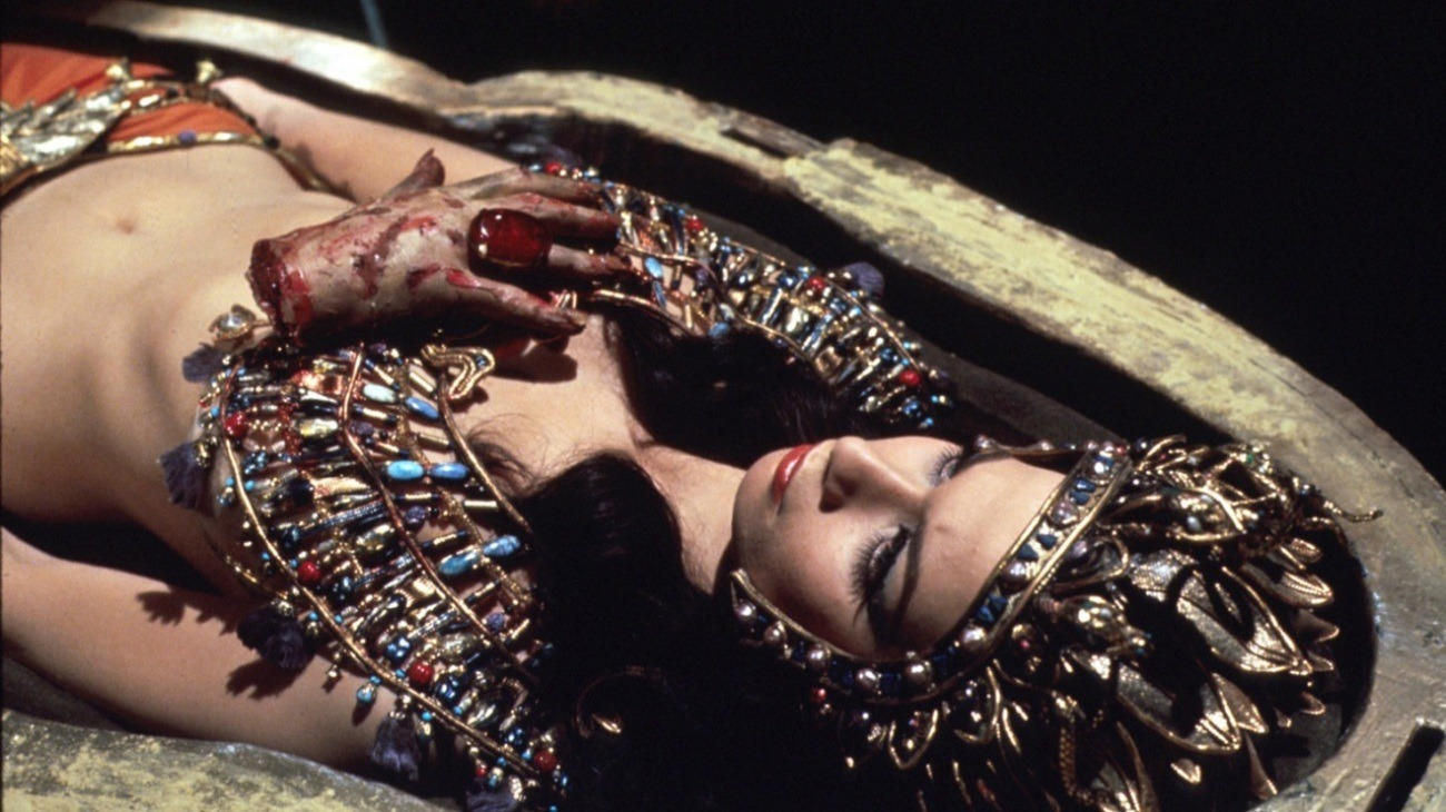 Blood from the Mummy's Tomb backdrop