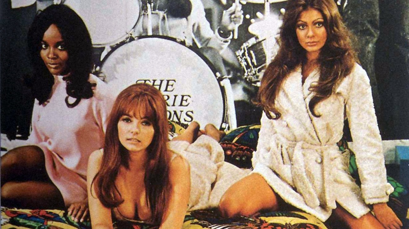 Beyond the Valley of the Dolls backdrop