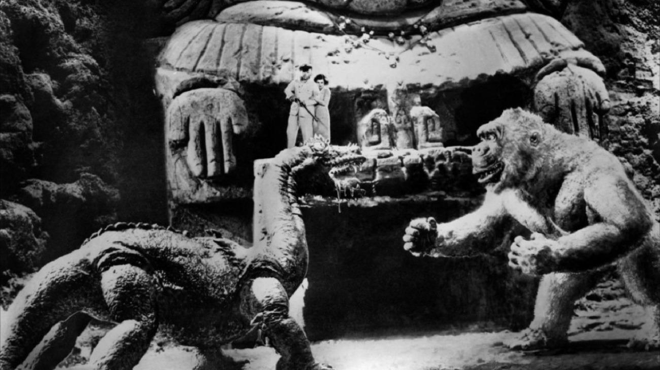 Son of Kong backdrop